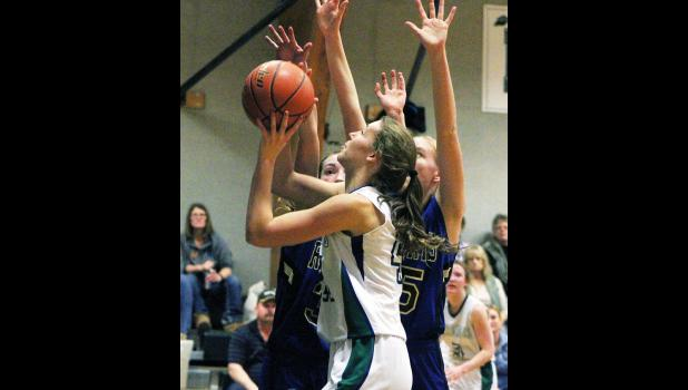 RPR sophomore Carlee Blodgett goes up for a shot last Thursday.